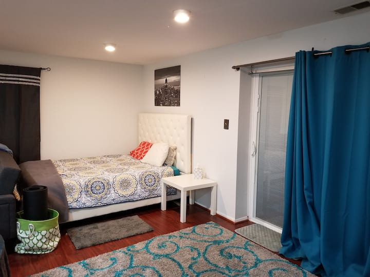 Bright Studio Close to Merriweather/DC/Baltimore
