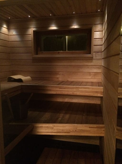 Relax in the sauna after your day. It's ready for a bath in just 30 minutes!