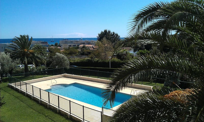 Antibes - 1 Br Apartment - Furnished