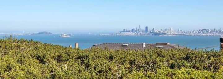 Gorgeous Views - large, spacious Sausalito Estate