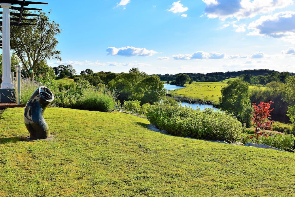 Riverview Signature View, Must See!