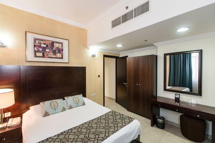Stunning One Bedroom Apartment in Al Barsha 1