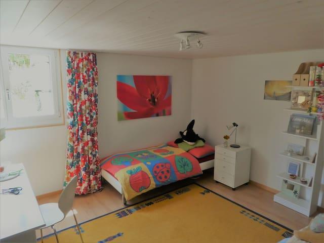 Zimmer 2 (90cm x 200 cm)