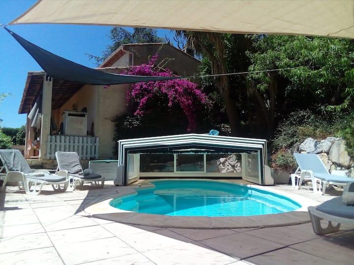 Antibes, Villa provençale, vue mer,piscine privée
