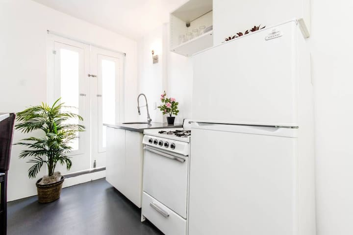 BRIGHT & AFFORDABLE  2B/1B APARTMENT IN TORRANCE