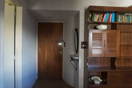 Sunny Colegiales Whole Apartment for 3 people - Buenos Aires - Leilighet