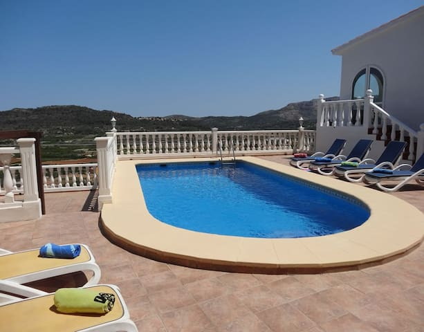 Villa private pool, fabulous view A/C, wifi, BBQ