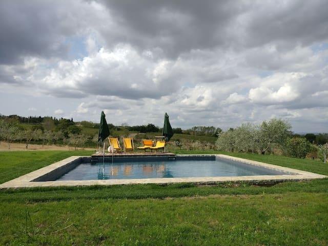 Tuscan paradise in Montepulciano, beautiful pool!