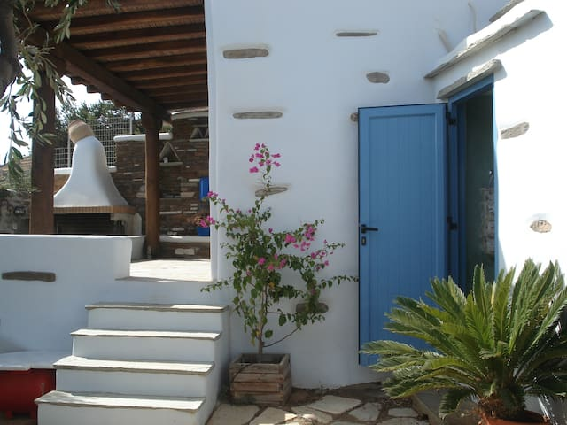 Tinos Traditional Stone Studio