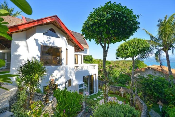 Tropicana Ocean Villas (Roseball Villa)