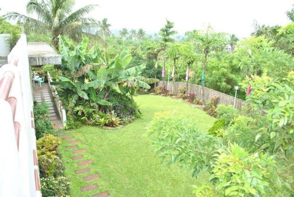 Looking for a quiet and private place away from the city? Balai Yruhin offers you such atmosphere! You can enjoy Tagaytay's fresh air, cool climate and its luscious greens!