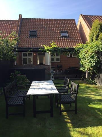 Nice town house in the middle of Ærøskøbing - Ærøskøbing - Kulübe