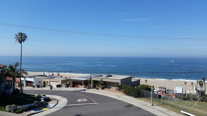 360 Degree Panoramic Ocean & City View  Must See!