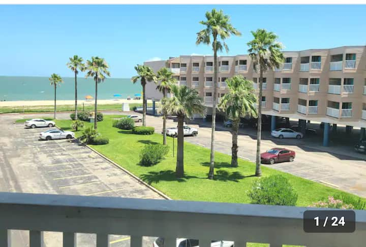 Beach Lovers Paradise Condo 3138
