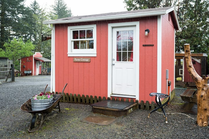 The Farm Cottage on a Beautiful Farm