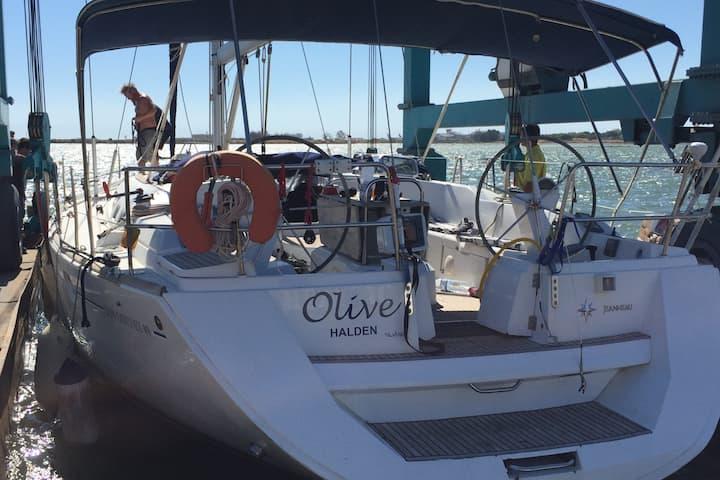 S/Y Olive  Dobbeltlugar babord side forut
