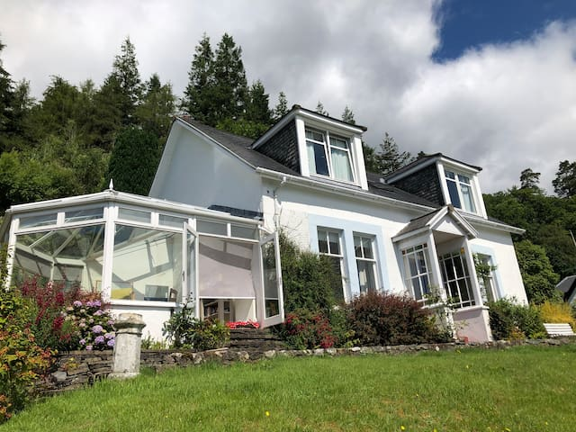 House with Stunning Views in Tighnabruaich