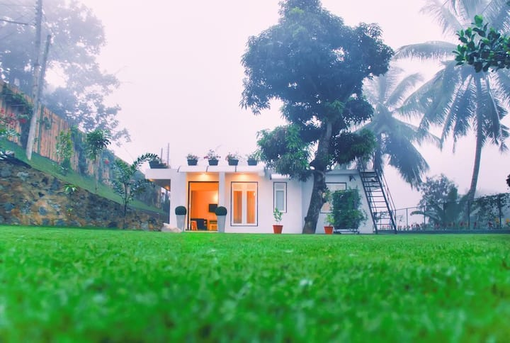 GREEN HOUSE IN KANDY - 4 KM FROM CITY CENTRE (10P)