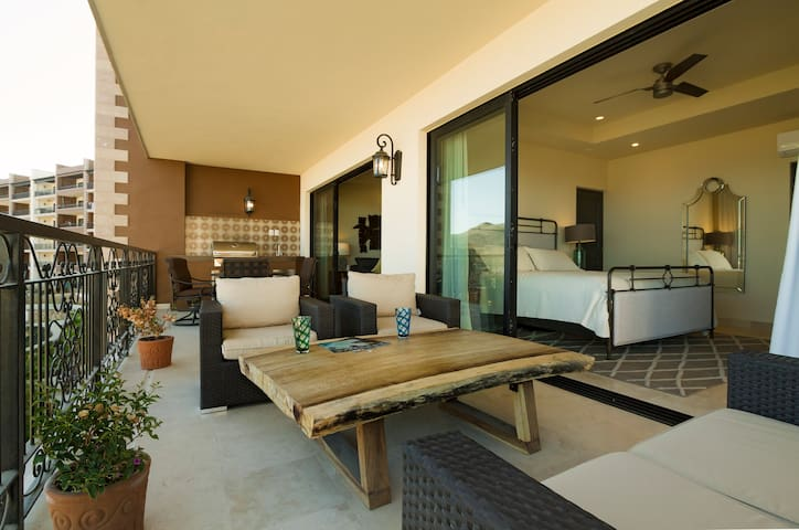 Luxurious  Casa La Vista    @ Sunset Beach