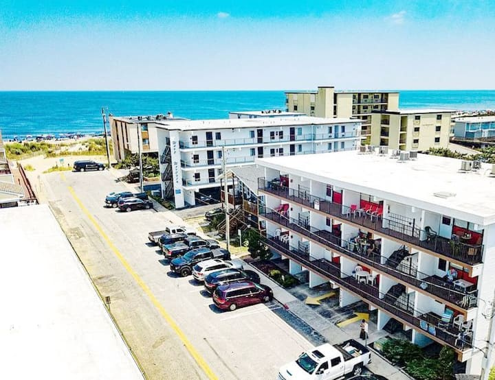 Steps from the beach - 3bed/2bath condo