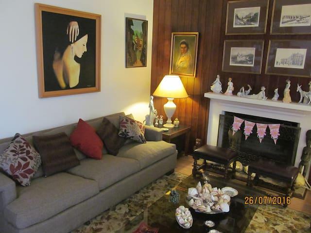 Habitación  independiente,  casa particular,