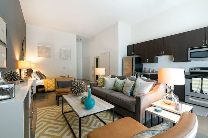 Live + Work + Stay + Easy   1BR in Houston