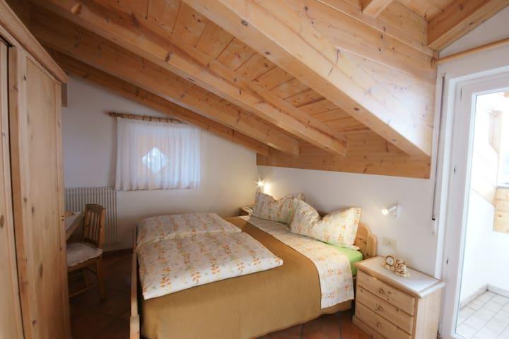 Elegante mansarda nelle Dolomiti - Mason de Cuz - Vigo di Fassa - Wohnung