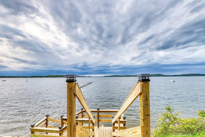 Lakefront cabin w/ beach access & 180-degree view of Lake Champlain