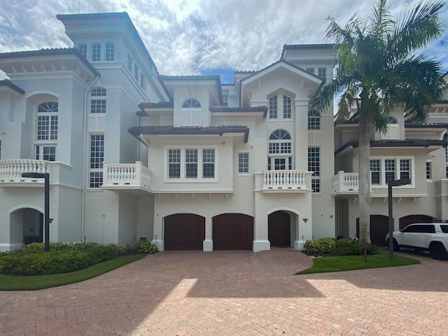 Incredible 4 Story Home With Bayside Views