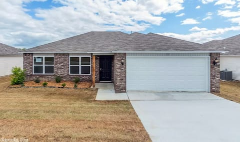 Clean Quiet Cadron Township Home