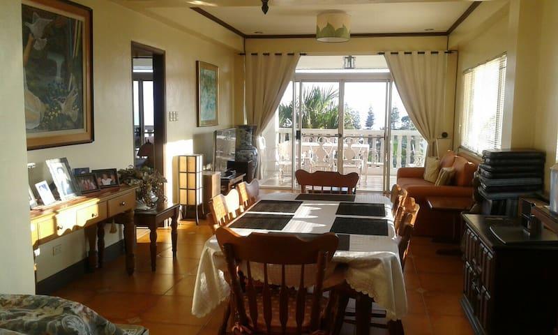 Tagaytay house overlooking Taal