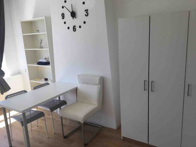 cozy newly renovated studio