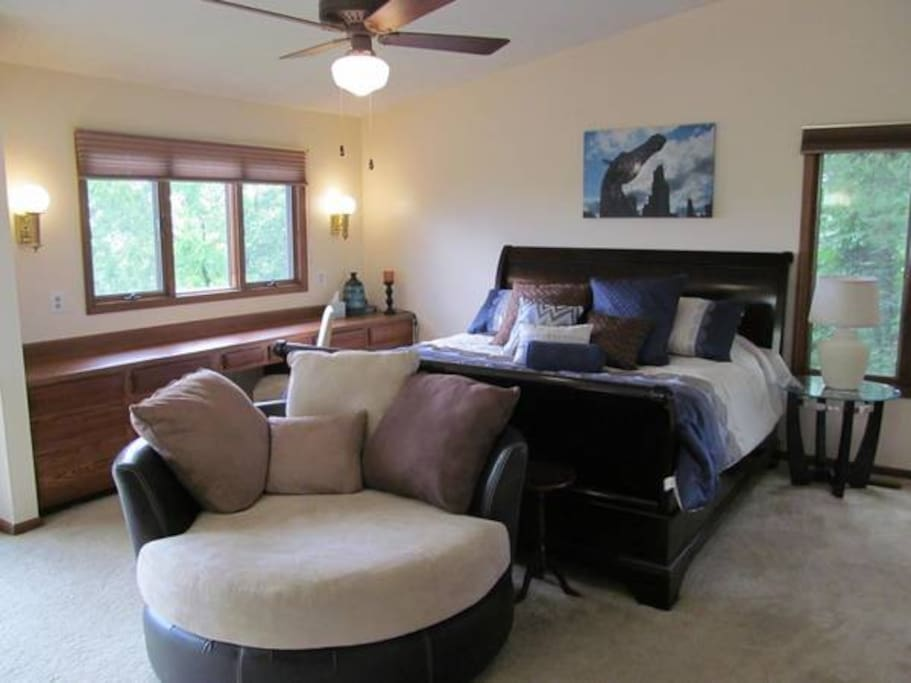 Master bedroom suite with private bath, walk in closets