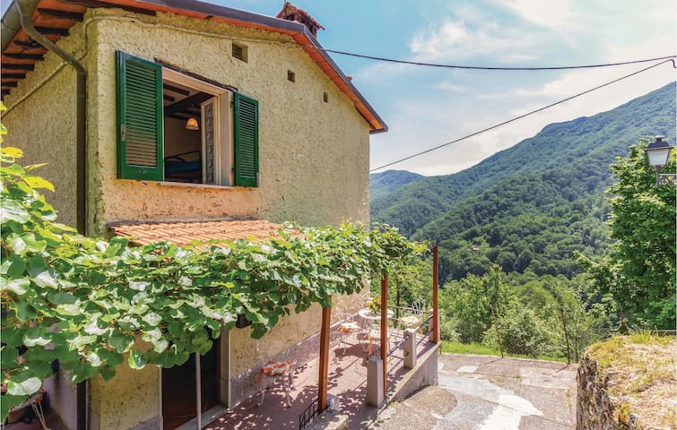 Holiday cottage with 3 bedrooms on 120m² in Stazzema LU