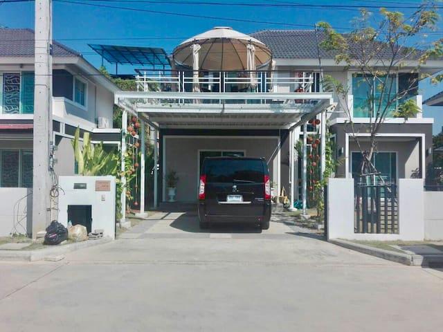 五房大别墅(no car ) Aomi Villa 5 Room (no car)