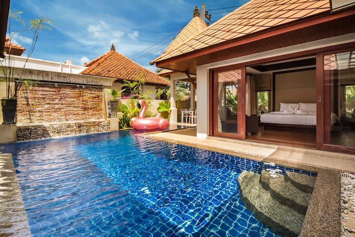 【热选美宅】卡马拉海滩【精致】新泰式花园泳池别墅【生活便利】10分钟步行到海滩,3分钟到幻多奇。