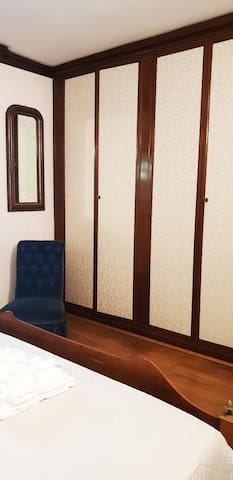Armadio a muro della prima camera matrimoniale