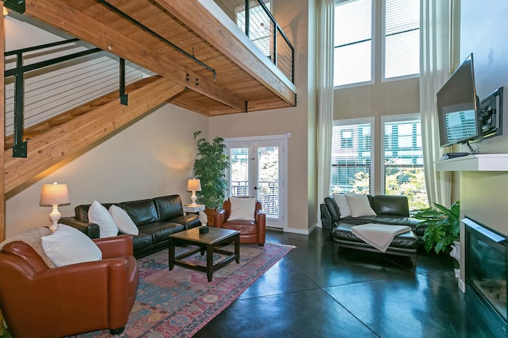 Brownstone Orenco Station Loft