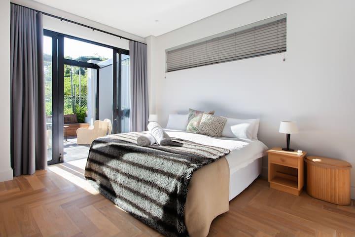 En-suite Bedroom1