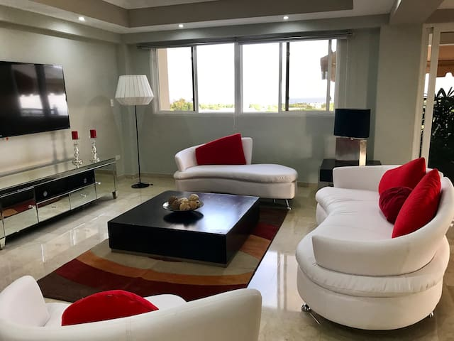 Sale Price;Exclusivity and luxury in Santo Domingo
