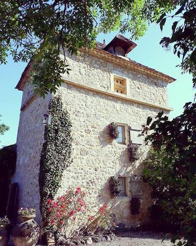 Domaine du Merlot Périgord Chambre  Le Pigeonnier