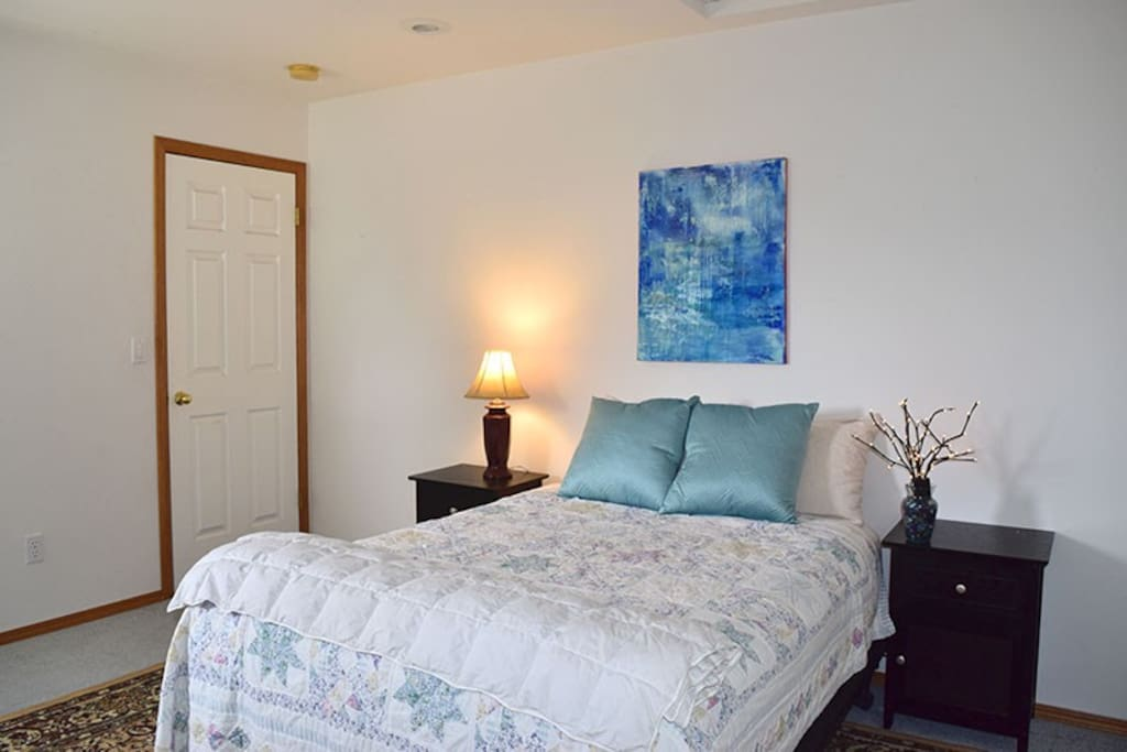 1 Bedroom with super comfy full size bed