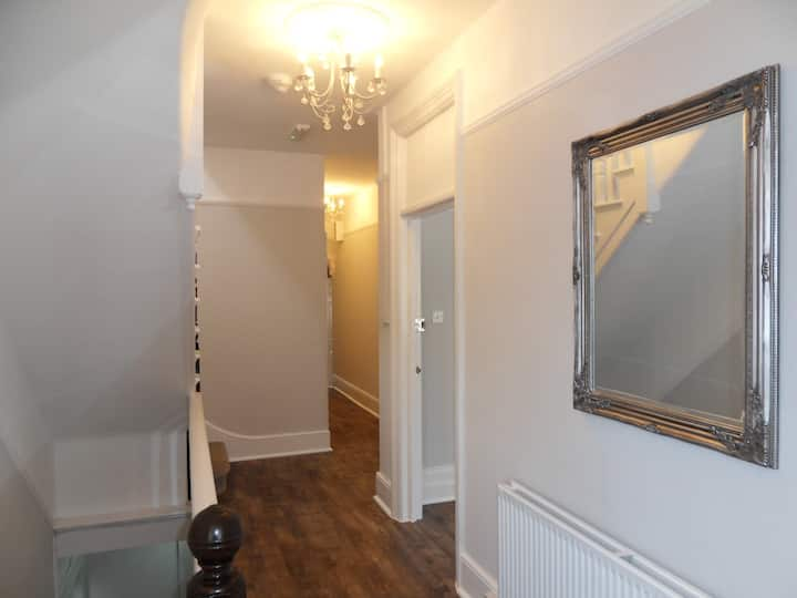Split level 3 bedroom flat in Conservation Area