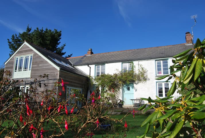Wills Cottage, Helford River - Large Family House - Port Navas - Hus