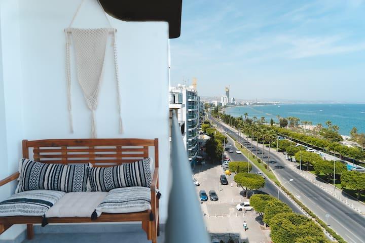 Landmark Seaview Apt. CityCenter *Simply Living*