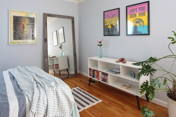 Upstairs guest room also has books to borrow, and an oversized double closet