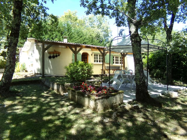 Charming cottage with pool - Mayrac - Bungalow