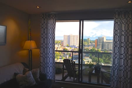 Million Dollar Views & Comforts of Home! - Victoria - Wohnung
