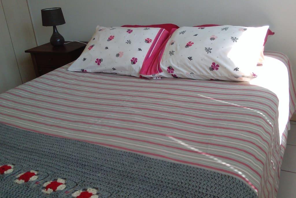 Dormitorio, cama de dos plazas