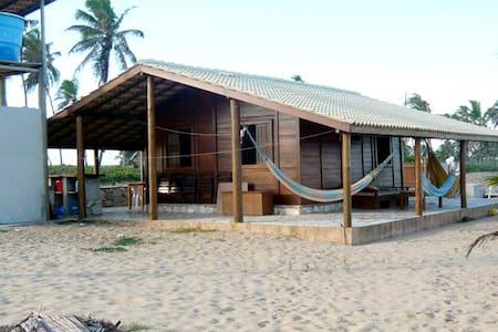 Cabaña de madera frente al mar - Entre Rios